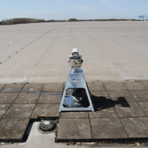 Agrilaser Autonomic looking out over a flat roof